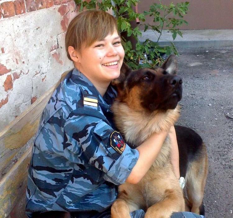 Красивые девушки в полиции России