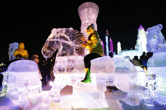 В Харбине стартовал фестиваль скульптур из снега и льда