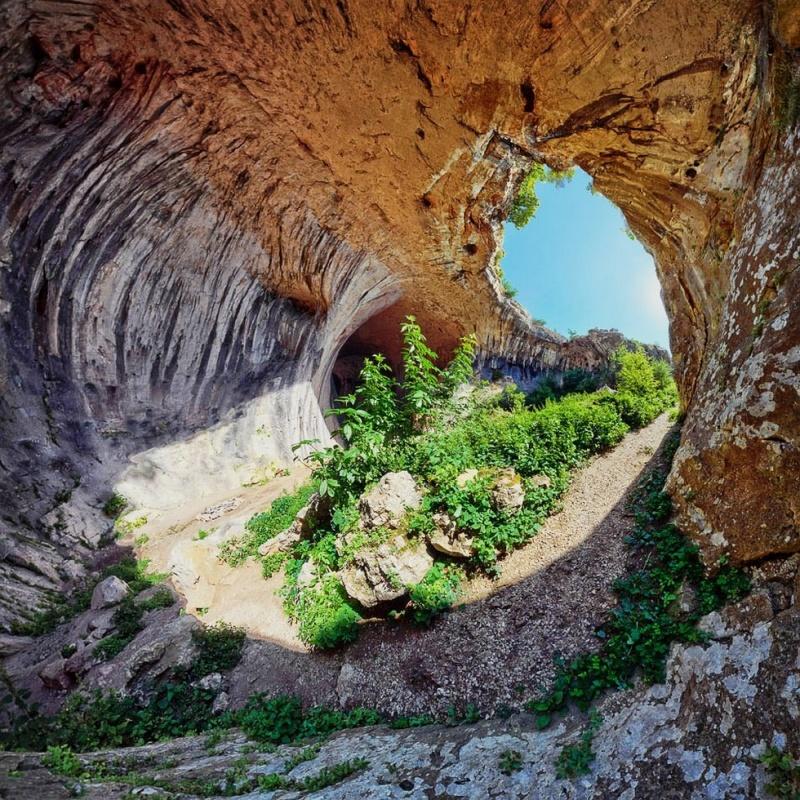 Глаза Бога - неимоверная пещера Проходна