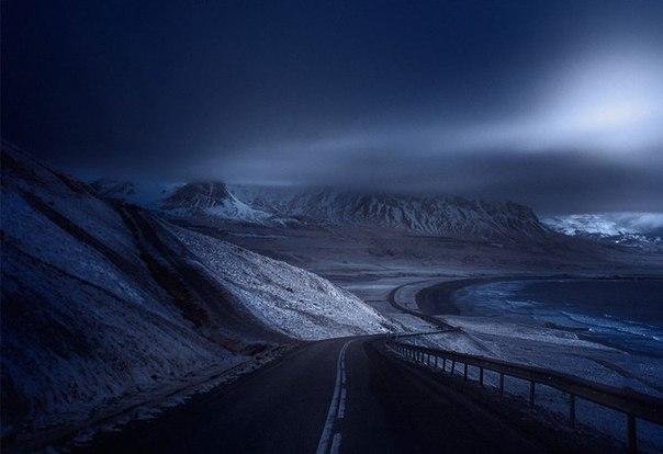 Красивые и пустынные дороги со всего света