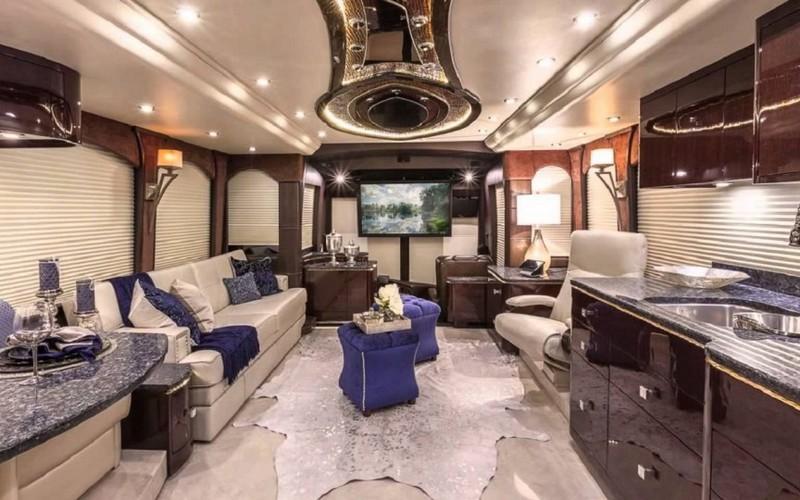 Самые роскошные и дорогостоящие дома на колесах