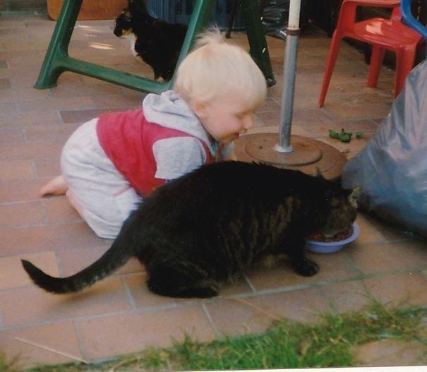 Дети, которые представляют себя животными