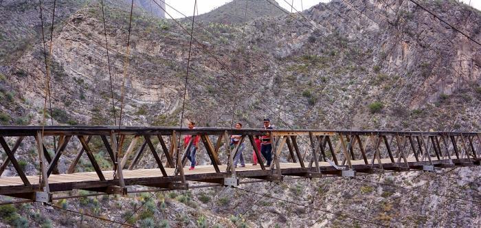 Экстремальные подвесные туристические мосты