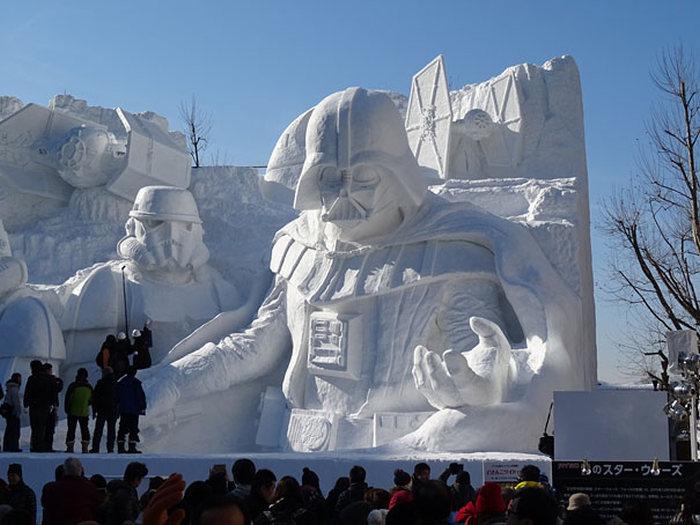 Снежная скульптура для фанатов Звездных войн