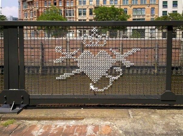 Потрясающие плетеные граффити