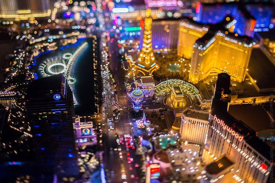 Ночные фото Лас-Вегаса с высоты от Венсана Лафоре