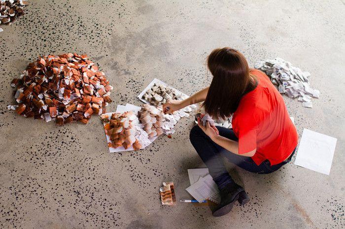 Картина из использованных чайных пакетиков