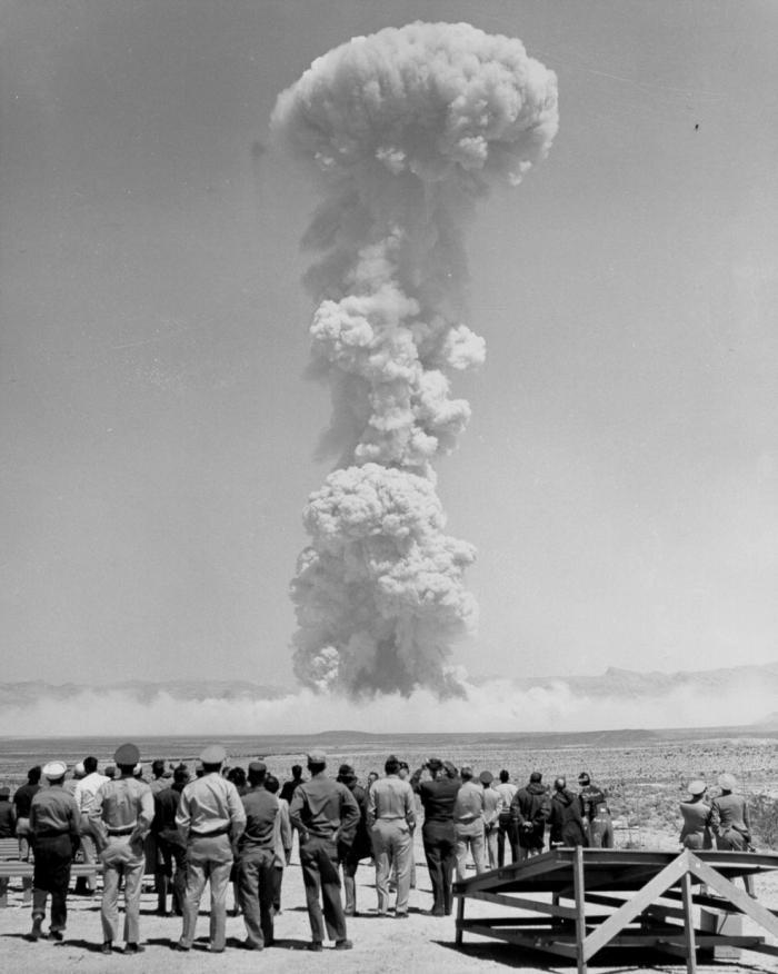 Архивные фотографии ядерных взрывов