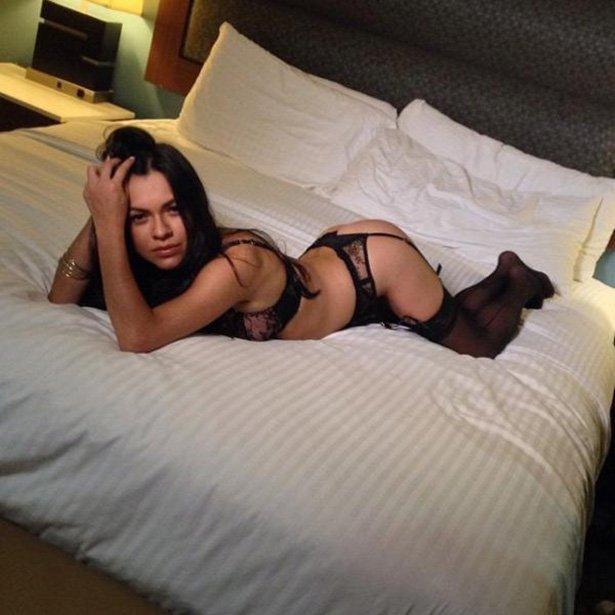 Красивые девушки в постели