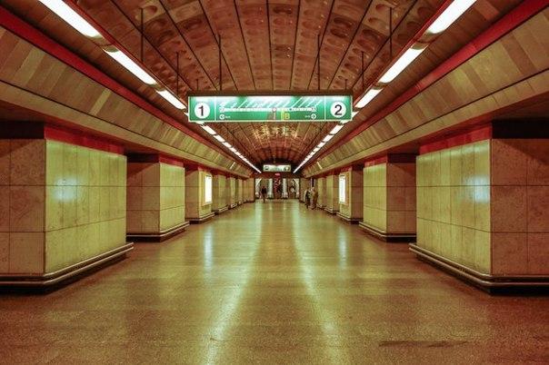 Симметрия подземки фотографа Энига Хуэй