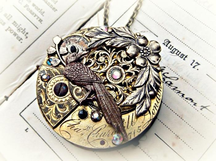 Украшения в стиле стимпанк из старых карманных часов