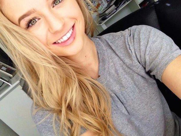 Красивые девушки любят улыбаться