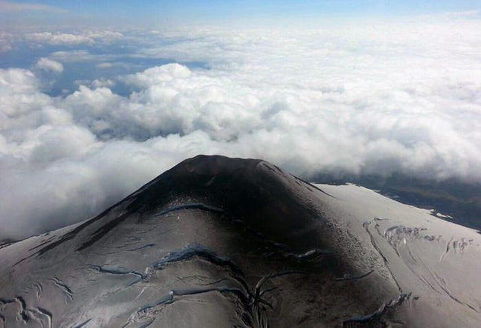 Начал извергаться вулкан Вильяррика в Чили