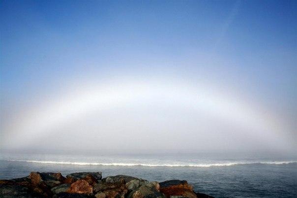Удивительная белая радуга