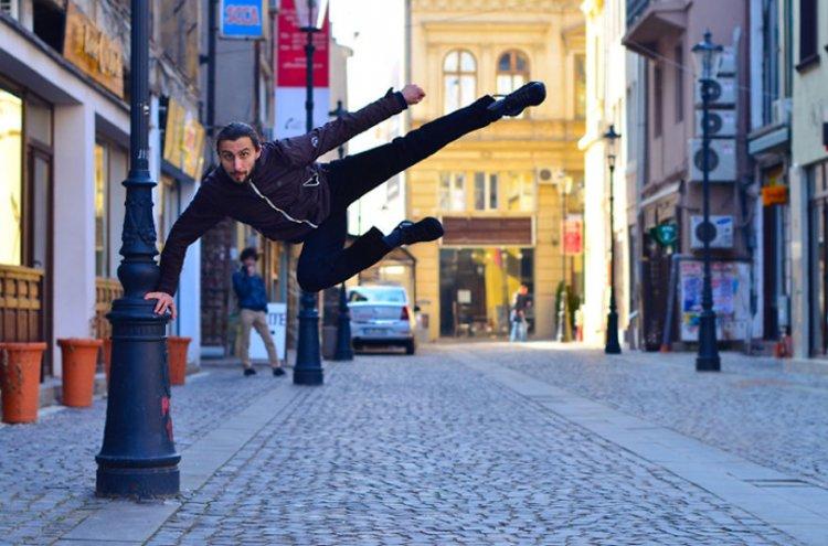Танцы на улицах Бухареста