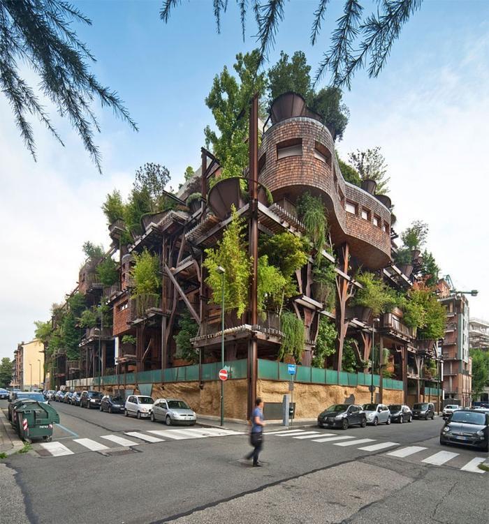 Пятиэтажный городской домик на дереве