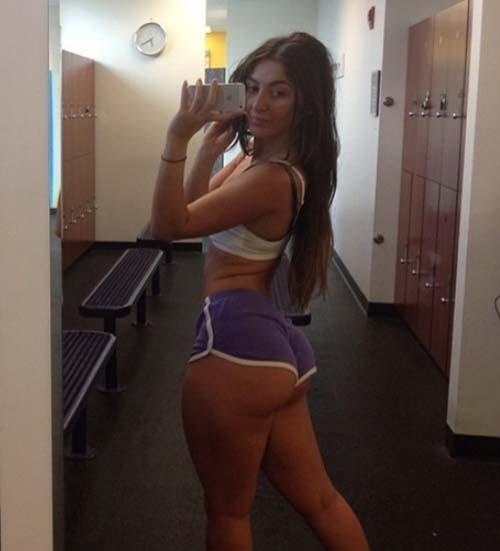 Селфи спортивных девушек