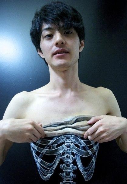 Жутковатый бодиарт Hikaru Cho