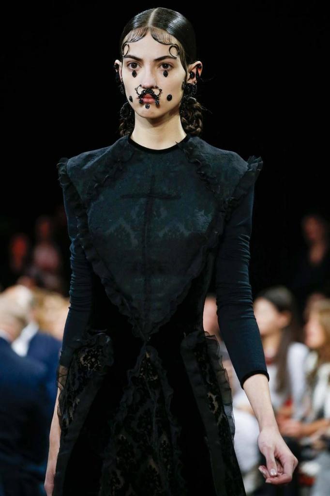Усатые дамы в мире моды