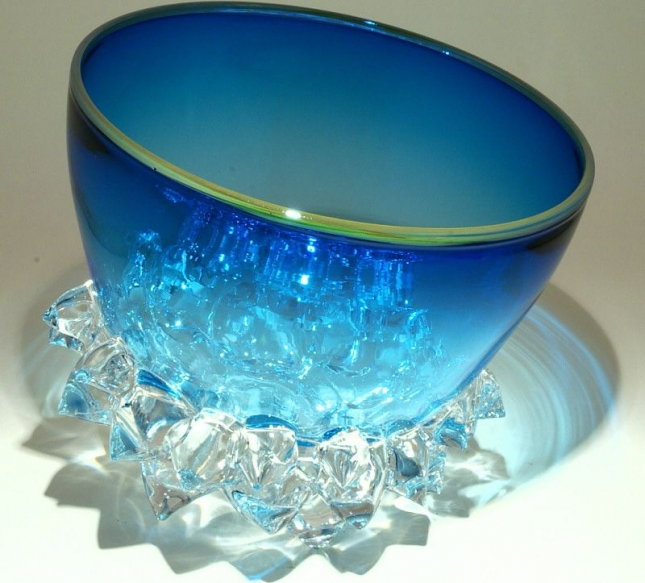 Морские волны из стекла