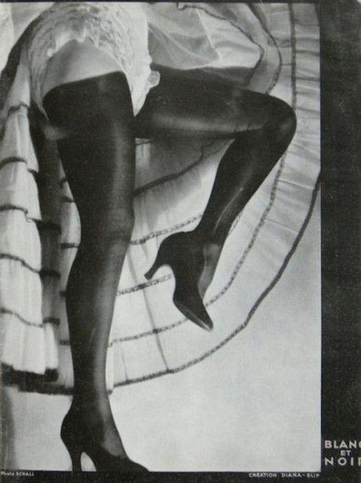 Эротическая реклама нижнего белья 1930 года