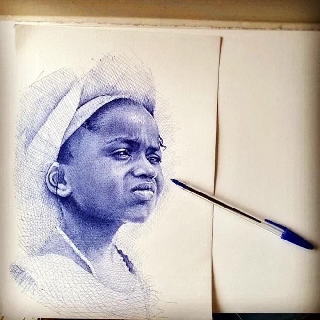Реалистичные портреты шариковой ручкой