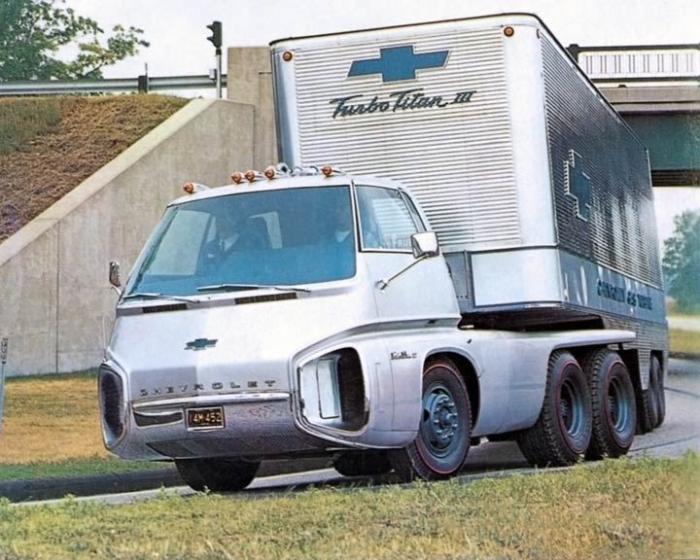 Футуристический грузовик Chevrolet Turbo Titan III