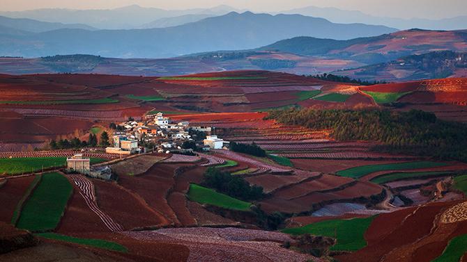 Красота Красных земель Дончуаня в Китае