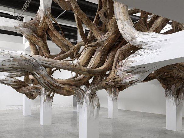 Архитектура сливается с природой