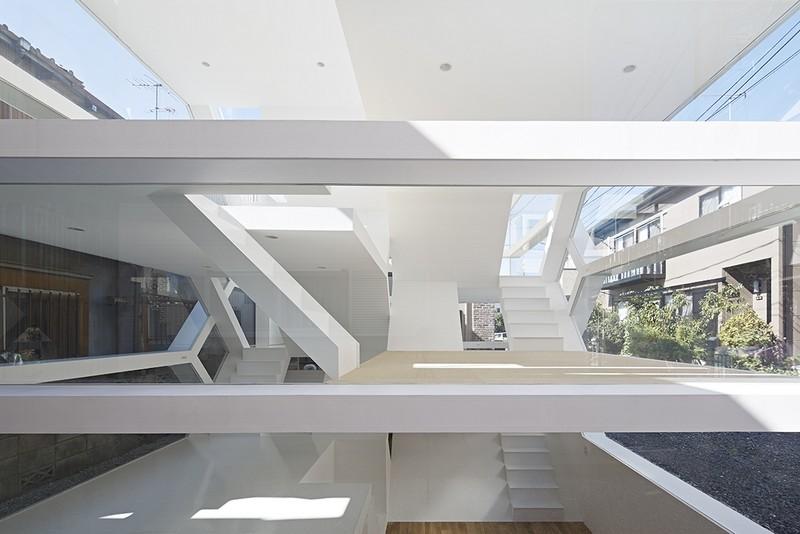 Прозрачный жилой дом в Японии