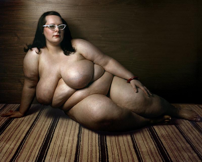 Красота полных женщин от Йосси Лолой