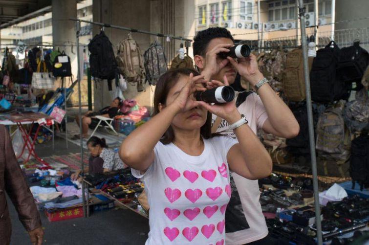 Одинаковые люди из Азии от румынского фотографа
