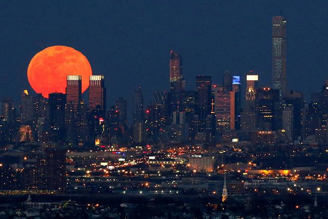 Фотографии Луны из разных городов мира