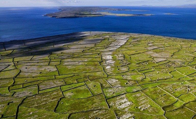 Каменные стены в Ирландии