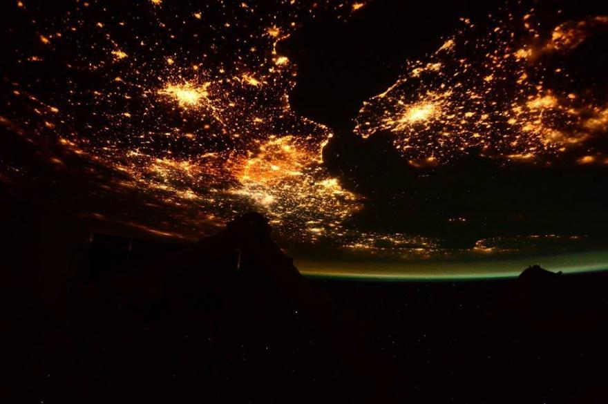 Удивительные фотографии с борта МКС