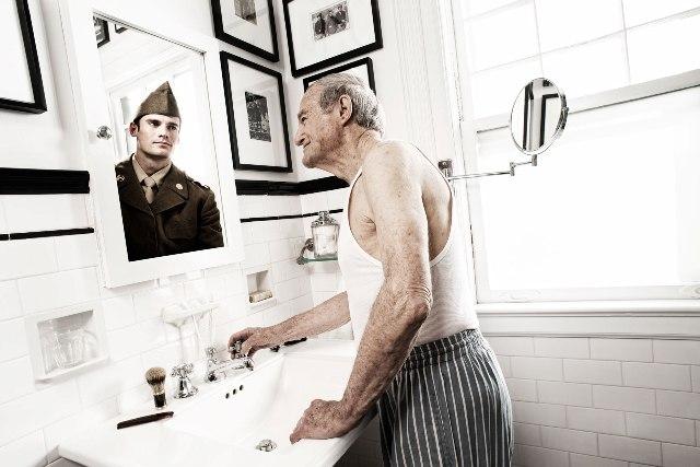 Свое молодое отражение в старости