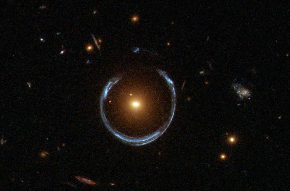 25 странных объектов из космоса