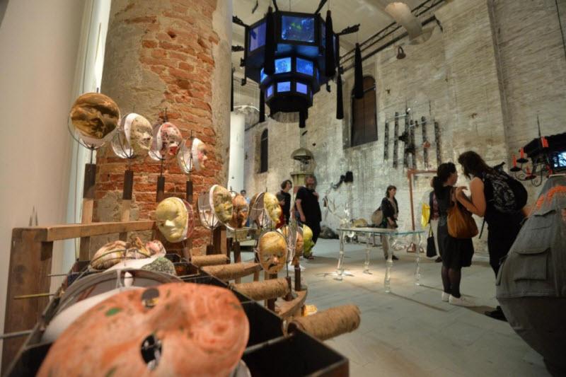 Работы художников и скульпторов на 56-й Венецианской биеннале