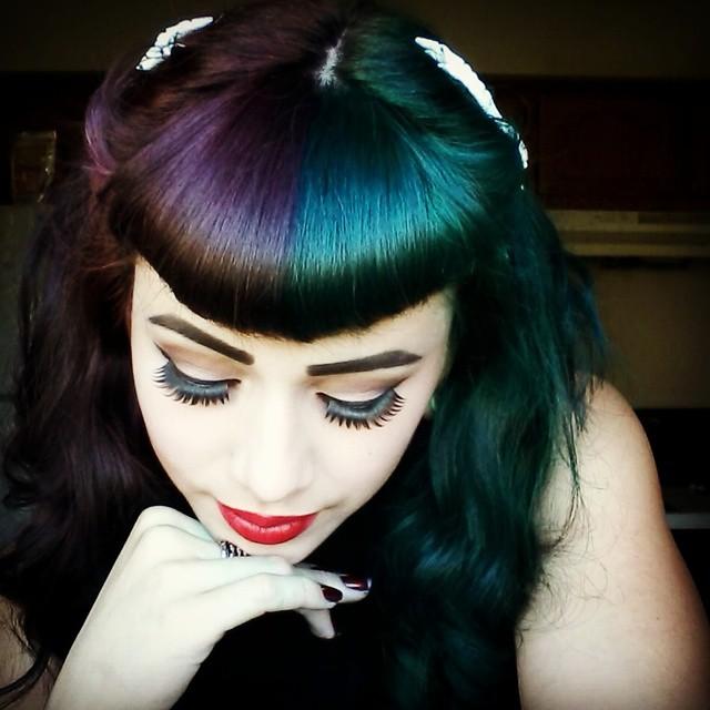 Девушки с двухцветными волосами