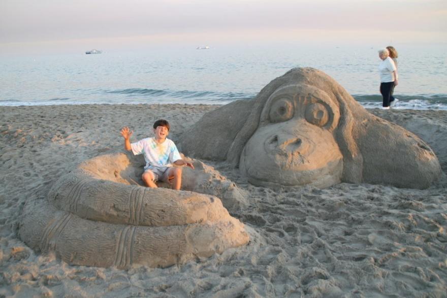 Классные скульптуры из песка