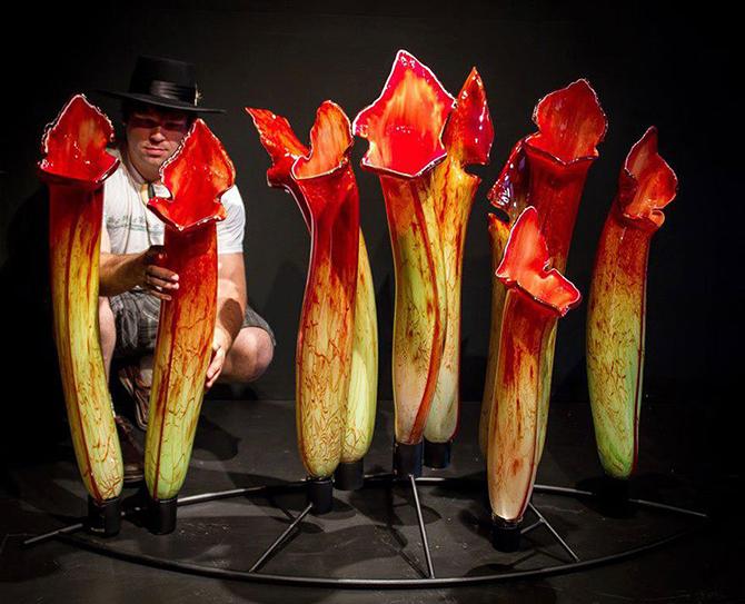 Гигантские цветы из стекла от Джейсона Гамрэта