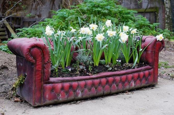 Декорации для сада старой мебели