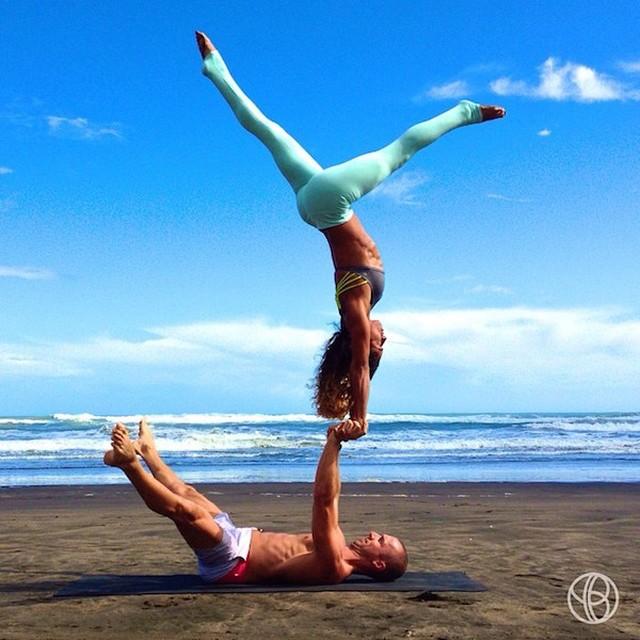 Влюбленные друг в друга и в йогу