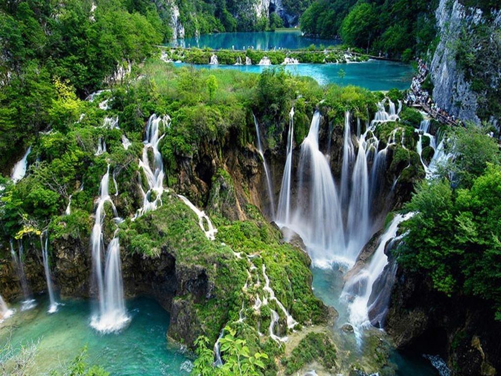 12 загадочных озер планеты