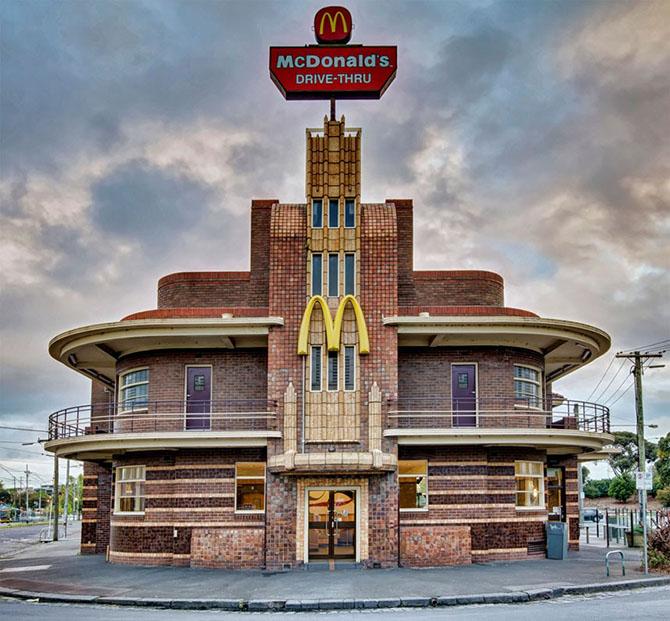 15 самых необычных ресторанов Макдоналдс