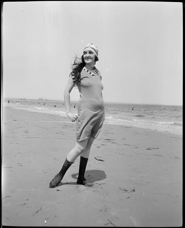 Женская пляжная мода 1920-х годов