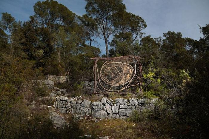 Сказочные скульптуры в лесу от Спенсера Байлса