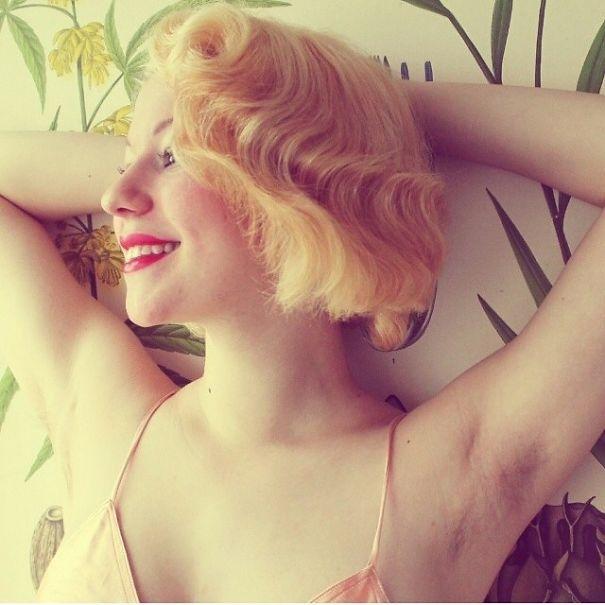 Новая мода в Instagram: волосатые женские подмышки