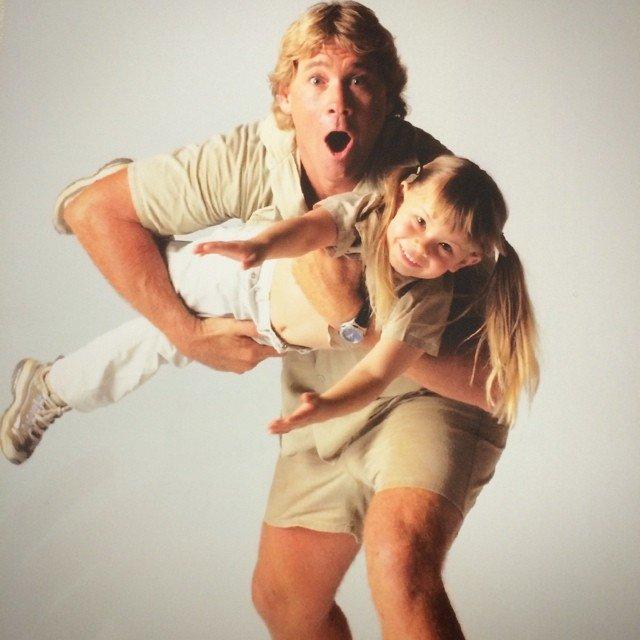 Дочь Охотника за Крокодилами пошла по стопам отца