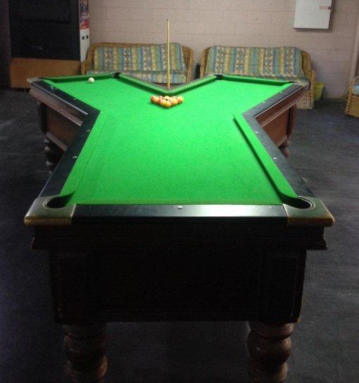 Бильярдные столы необычной формы